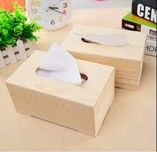 Kotak Kayu Tisu